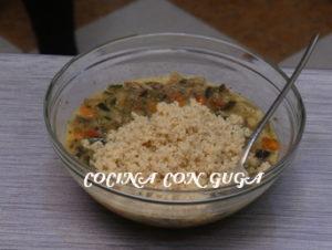 echando-quinoa-para-tortilla-de-verduras
