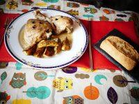 Pollo guisado en olla express y patatas al horno